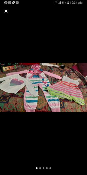 Girls size 8/9 DREAMWORKS TROLLS ZIP UP PJS COTTON DRESS AND GLITTER HEART SHIRT for Sale in Garland, TX