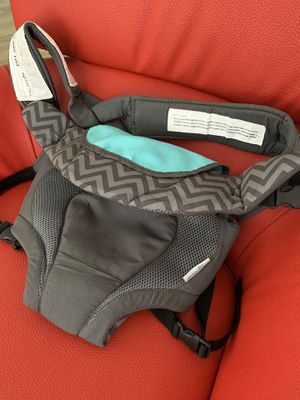 Evenflo baby carrier for Sale in Palm Springs, FL