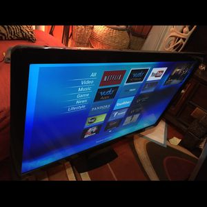 55 Inch Smart Tv .an Blue Tooth Stereo for Sale in Pittsburgh, PA