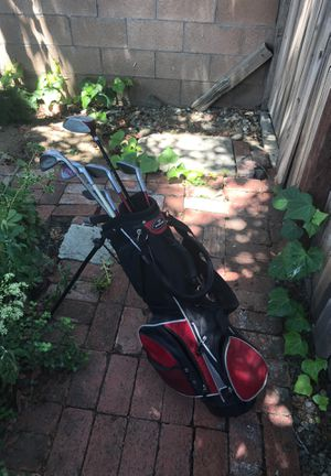 Golf set with golf balls for Sale in Duarte, CA