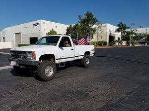 14 bolt swapped 1997 Chevy k1500 - 5 speed manual for Sale in Corona, CA