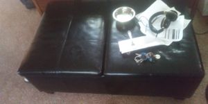 Leather coffee table that opens up for storage for Sale in Fort Wayne, IN