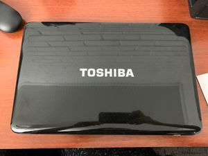 """TOSHIBA Satellite i3 14.5"""" laptop like new for Sale in Des Plaines, IL"""