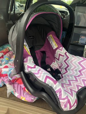 Safety first car seat for Sale in Kalamazoo, MI