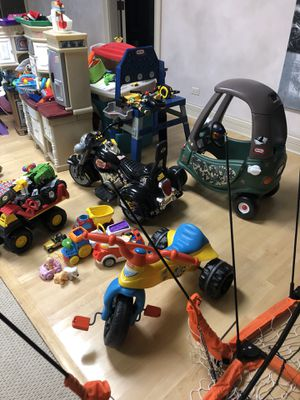Various kids toys- also have tons of clothes, shoes, etc . Also have tons of Kids Motor Skills toys/real wood. for Sale in Lemont, IL