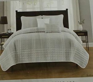Classic collection 5 piece quilt set grey queen for Sale in Milton, FL