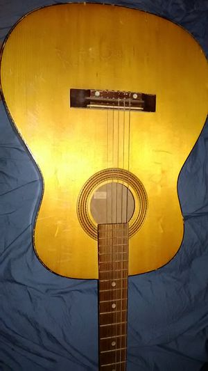 ACOUSTIC GUITAR for Sale in Langhorne, PA