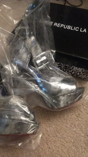 New super hot clubbing high heels size 5.5 for Sale in Chandler, AZ