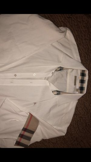 Burberry white long sleeve dress shirt size: XXL for Sale in Bakersfield, CA