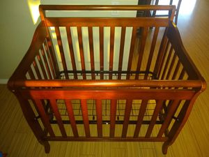Baby crib for Sale in Anaheim, CA