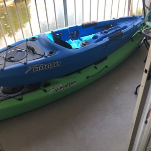 12 Ft Sundolphin Kayak With Paddle (Green One) for Sale in Tampa, FL