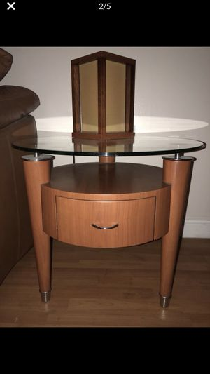 Pair glass & wood end tables for Sale in Miami, FL