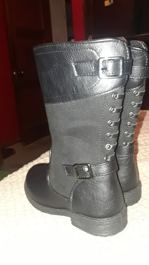 Girls boots for Sale in San Bernardino, CA