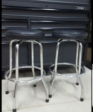"""2 bar stools 28"""" tall $44.00 each. Or OBO. for Sale in Menifee, CA"""