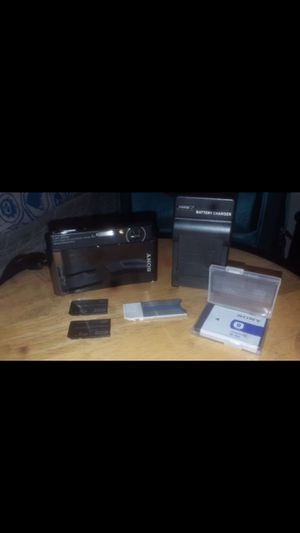 Sony Cybershot Camera w/Accessories for Sale in Mulberry, FL