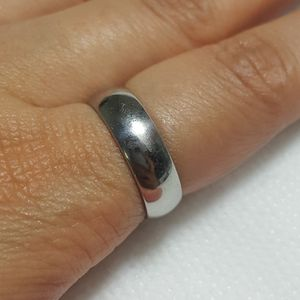 Beautiful Stainless Steel Silver Ring Band For Men Women Ring Ring Size: 7 Thickness: 5.5mm - RGN -102 *Shipping Only* for Sale in Queens, NY