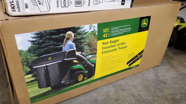 John deere 42in twin bagger for 100 series tractors