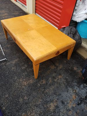 Coffee table and 2 end tables for Sale in Columbus, OH