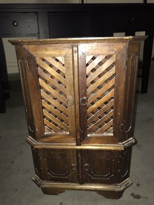 Vintage decorative small shelf for Sale in Phoenix, AZ