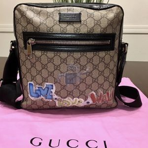 Authentic GUCCI Crossbod for Sale in Ontario, CA