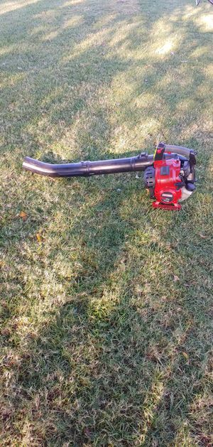 Craftsman 4 cycle LEAF BLOWER NO MIXING OIL AND GAS for Sale in Tulsa, OK