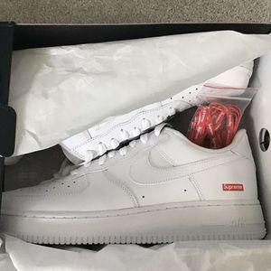 Nike Supreme AirForce 1 Low Size 11 for Sale in College Park, MD