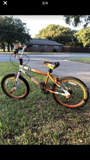 Ozone 500 two zero es20 bmx bike for Sale in Fort Worth, TX