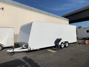 24' universal enclosed trailer for Sale in La Habra, CA