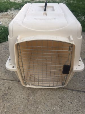 Dog kennel for medium dog for Sale in River Grove, IL