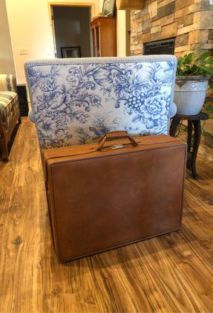 Hartmann vintage leather suitcase for Sale in Morrison, CO
