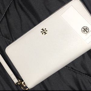 Tory Burch Wallet for Sale in Los Angeles, CA