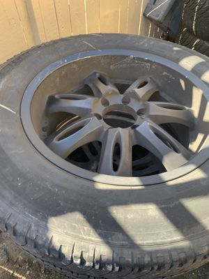 275/65/20 Chevy rims 6 lug for Sale in Everett, WA