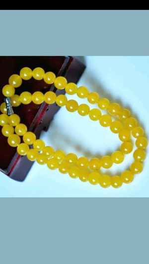 "Pretty nauutalntreated yelow jade bead 8mm necklace 20"" for Sale in El Sobrante, CA"