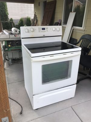 Whirlpool Glass Top Stove for Sale in Snohomish, WA