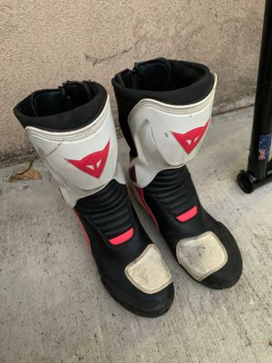 Dainese woman's size 7 fits more like an 8 for Sale in Costa Mesa, CA