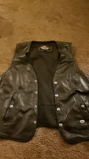 Harley Davidson leather vest for Sale in Toledo, OH