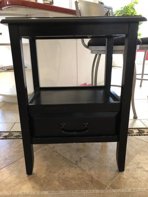 Small black end table for Sale in Mesa, AZ