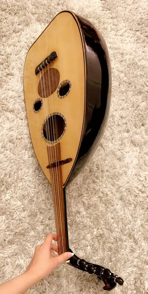 Arabic Oud with bag (in a really good condition!) for Sale in Irvine, CA