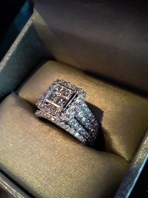 Zales 4ct 14kwg princess cut diamond engagement ring for Sale for sale  New York, NY