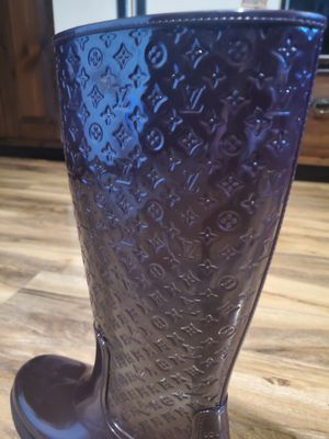 Louis Vuitton rain boots size 8.5 to 9 for Sale in Pittsburgh, PA