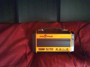 Rockpals 250/w -power station model: k36 with (60/w panels ) for Sale in Chino, CA