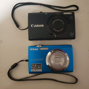 2 Digital Cameras Like New. for Sale in Lake Elsinore, CA