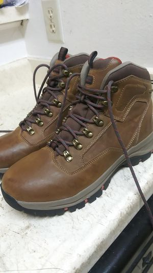 Size 9.5 EDDIE BAUER BOOTS. IN NEW CONDITION for Sale in Dallas, TX