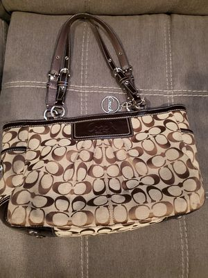 COACH bag for Sale in Hightstown, NJ