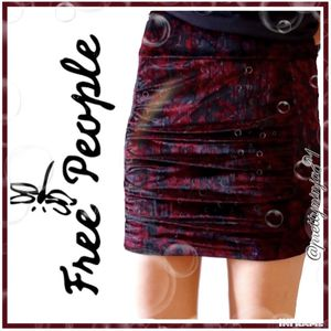 Free People Crushed Velvet Skirt Small Nwt for Sale in Fond du Lac, WI