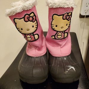Hello Kitty Snow Boots Sizr 7/8 for Sale in Hayward, CA