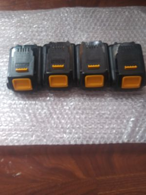 4 batería s dewalt 1.5 ah for Sale in Oak Forest, IL