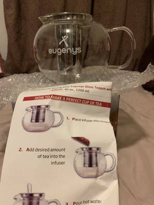 Glass tea pot with Stainless Steele infuser for Sale in The Bronx, NY