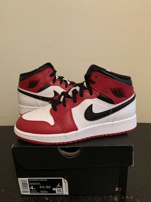 Air Jordan 1 Mid Chicago White Heel Red White Size 4 4Y (Pick Up) for Sale in Sunrise, FL