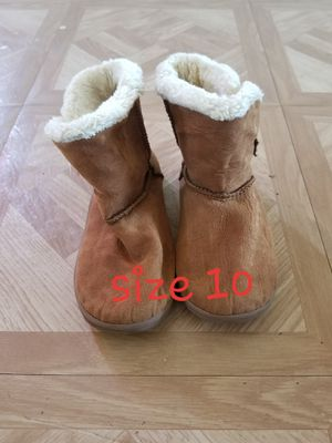Lil Girls Brown Boots for Sale in Elsa, TX